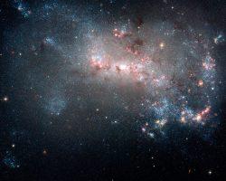 不規則銀河の花火の様な星形成領域