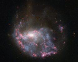 3億3000年前に衝突した銀河が作り出した「環」
