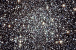 初期の宇宙を知る球状星団。中に見つかるブラックホールと惑星状星雲