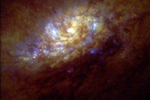 活動銀河の渦に見たスターバースト現象
