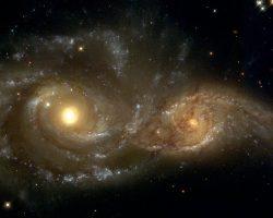 数千万年前という一瞬の銀河の瞬き