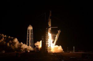 スペースX「クルー・ドラゴン」無人打ち上げ成功 米有人宇宙飛行復帰に道筋