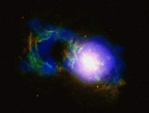見た目にだまされるな!「ティーカップ」に隠されたクエーサーはまだ生きている