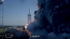 ファルコン・ヘビー、初の商業打ち上げに成功 アラブサット6A打ち上げ