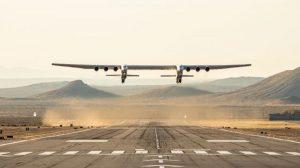 世界最大の飛行機「ストラトローンチ」が初飛行に成功
