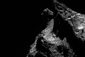 見えるかな?「猫」のような岩のシルエットを含む「チュリュモフ・ゲラシメンコ彗星」の画像が一挙公開