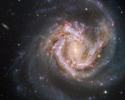 スターバースト銀河は波長で大きく表情を変える