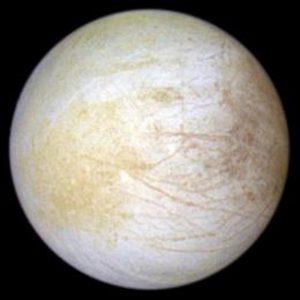 木星の衛星エウロパの黄色い模様は「塩」だった
