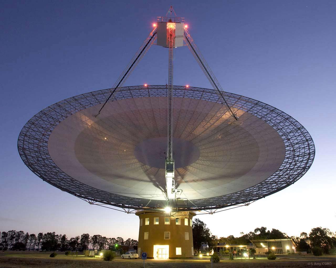 パークス天文台の64m電波望遠鏡(Credit: S.Amy, CSIRO)