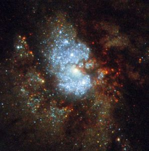 淡く薄い銀河の中心にある星の鼓動