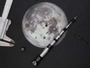 """ロケットと月をモチーフにした""""ドライバーセット"""""""