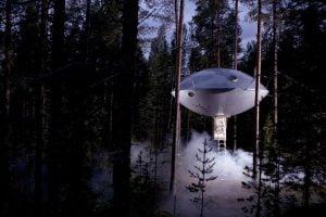UFO、宇宙船、脱出ポッド、コールドスリープ…近未来感あふれる世界の宿
