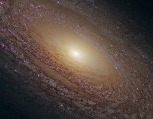 羊毛が編み込まれた様な巨大渦巻銀河
