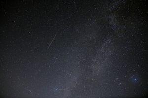 ペルセウス座流星群が極大へ。12日夜から13日未明が見頃