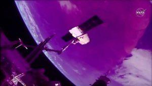 スペースXのドラゴン補給船が地球へと帰還