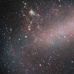 """日本からは見えない""""お隣の銀河""""大マゼラン雲の淡く美しい姿"""