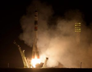UAE初の宇宙飛行士らが宇宙ステーションへと打ち上げ実施
