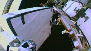 ISSバッテリー交換のため宇宙遊泳が実施