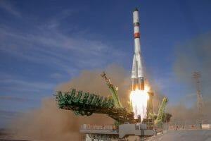 JAXAの実験サンプルを積んだプログレス補給船、ドラゴンに続き打ち上げ