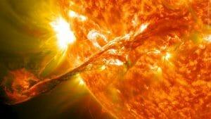 太陽のフィラメント噴出と宇宙天気予報