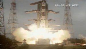 インド、PSLVにて地球観測衛星とキューブサットを打ち上げ成功