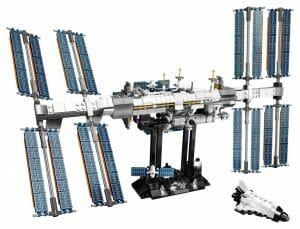 LEGO、国際宇宙ステーションキットを発売へ。可動式カナダアーム2やソーラーパネルでリアル再現
