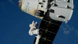 ドラゴン補給船が地球に帰還 3回目のミッションを完了