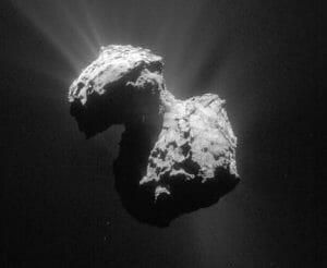 チュリュモフ・ゲラシメンコ彗星、太陽からの距離によって色が変わっていた