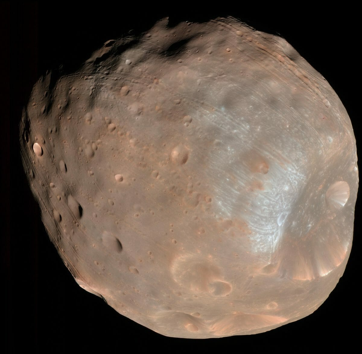 NASAの「マーズ・リコネッサンス・オービター(MRO)」が撮影したフォボス(Credit: NASA/JPL-Caltech/University of Arizona)