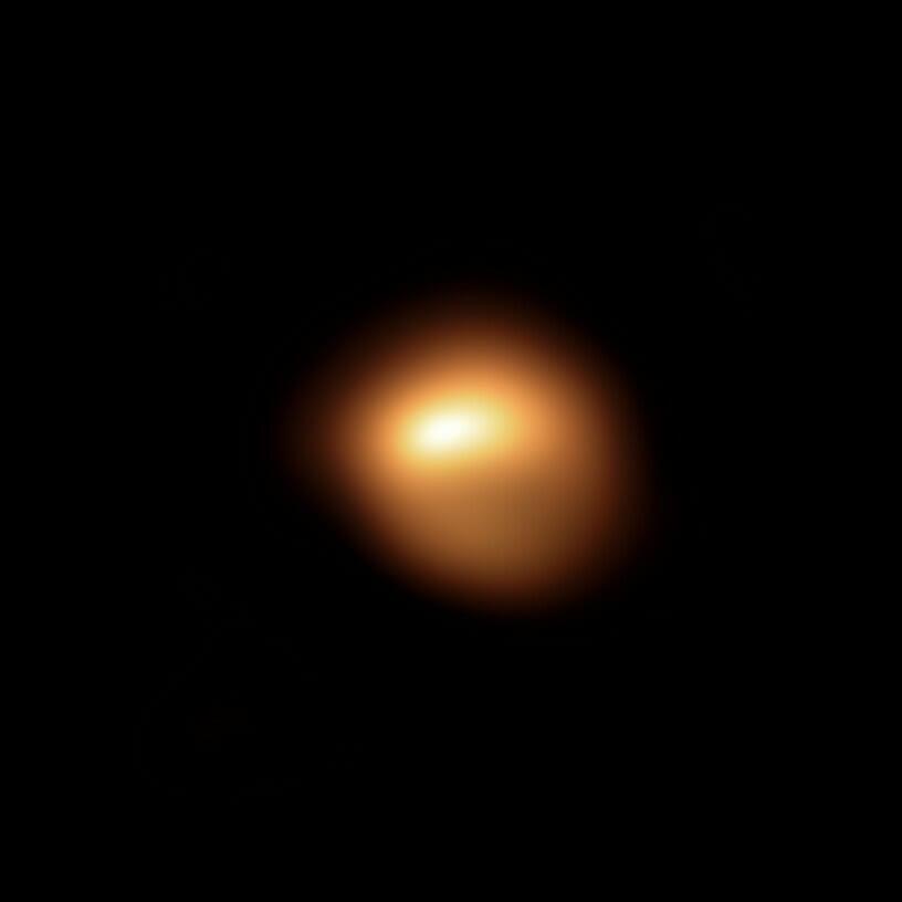 ヨーロッパ南天天文台の超大型望遠鏡(VLT)によって2019年12月に観測されたベテルギウス