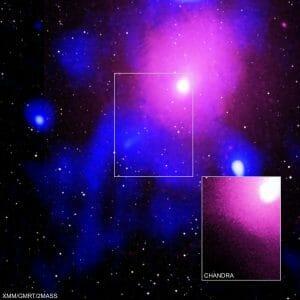 観測史上最大のブラックホールのエネルギー放出が、天の川銀河15個分の空洞を作り出す
