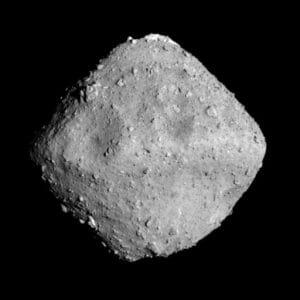 リュウグウはかつて彗星だった? 表面の6割が有機物とする研究成果