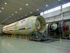 三菱重工、H-IIBロケットの最終「9号機」のコア機体を出荷