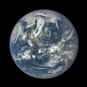地球の水は彗星や小惑星が起源ではない可能性。星間分子雲中の塵から?