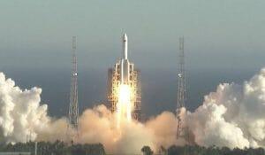 中国が長征5号Bの打ち上げに成功 次世代宇宙船を投入