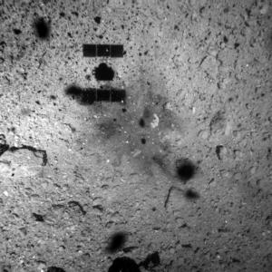 小惑星「リュウグウ」 水星よりも太陽に近い軌道を描いた時期がある可能性