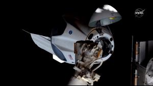 新型宇宙船「クルー・ドラゴン」国際宇宙ステーションにドッキング成功