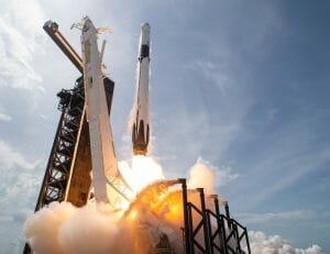 写真で振り返るスペースX「クルー・ドラゴン」初の有人ミッション
