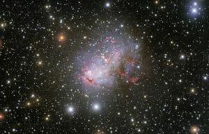 天の川銀河に最も近いスターバースト銀河の全体像