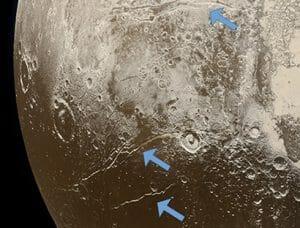 冥王星の氷の下の海は形成初期段階から存在していたかもしれない