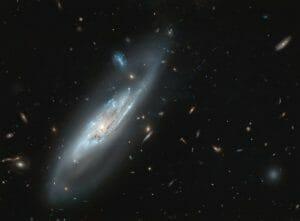 棒渦巻銀河 NGC 4848