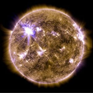 巨大な太陽フレアの発生を正確に予測可能とする物理モデルが登場
