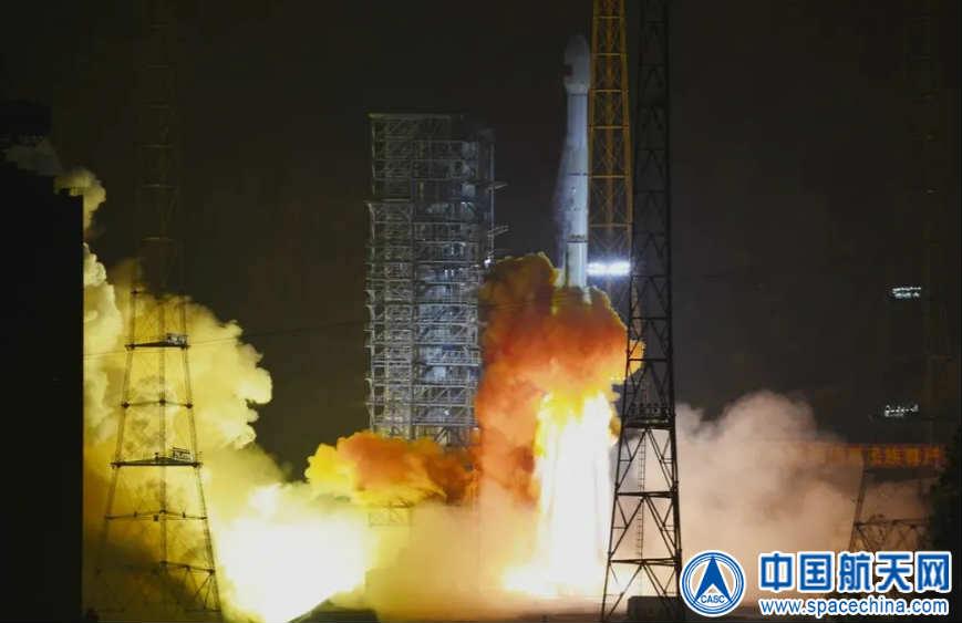 西昌衛星発射センターから打ち上げられる長征3Bロケット(Credit: CASC)
