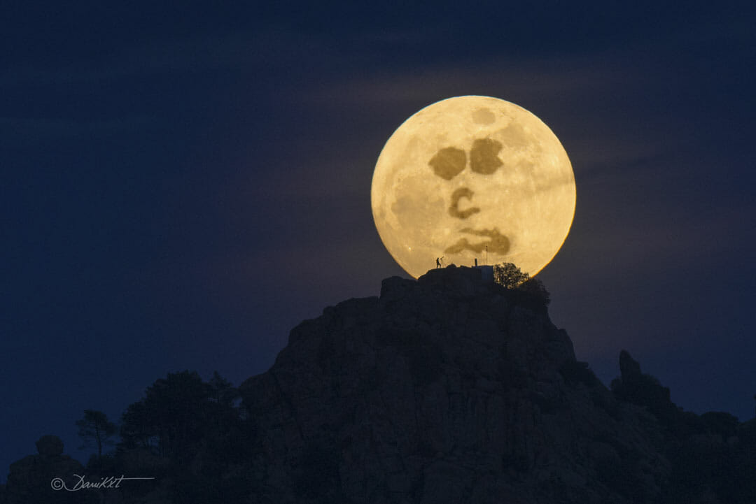 Find the Man in the Moon(Credit: Dani Caxete )