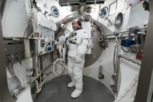 ISSに滞在中の野口聡一宇宙飛行士、船外活動の日程決定!