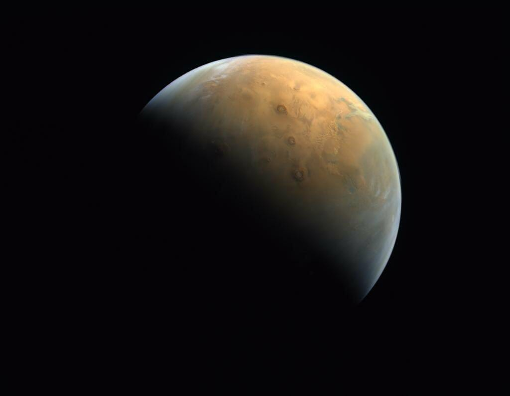 UAEの火星探査機「HOPE」が撮影した火星(Credit: UAE Space Agency)