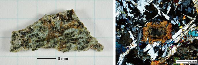 今回分析された隕石「EC 002」(左)と偏光顕微鏡写真(右)(Credit: 国立極地研究所)