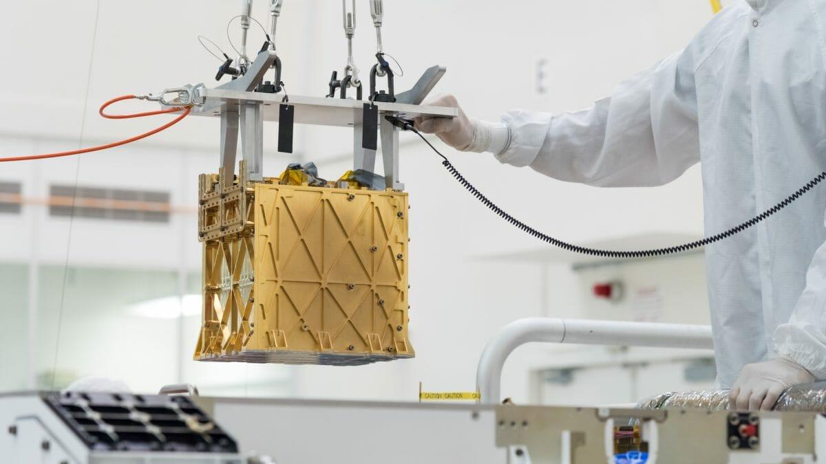 火星探査車「Perseverance」に搭載された酸素生成実験装置「MOXIE」(Credit: NASA/JPL-Caltech)