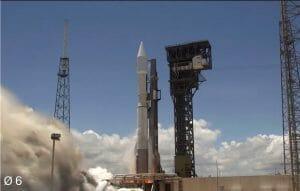 アトラスVロケット、ミサイル早期警戒システムの衛星を打ち上げ ULAにとって144回目の打ち上げに