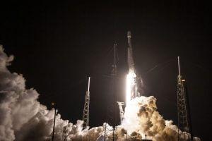 スペースX、ラジオ放送衛星「SXM-8」の打ち上げに成功 第一段機体も着陸に成功